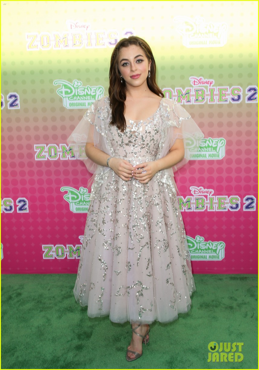 meg donnelly milo manheim more glam up for zombies 2 premiere 03