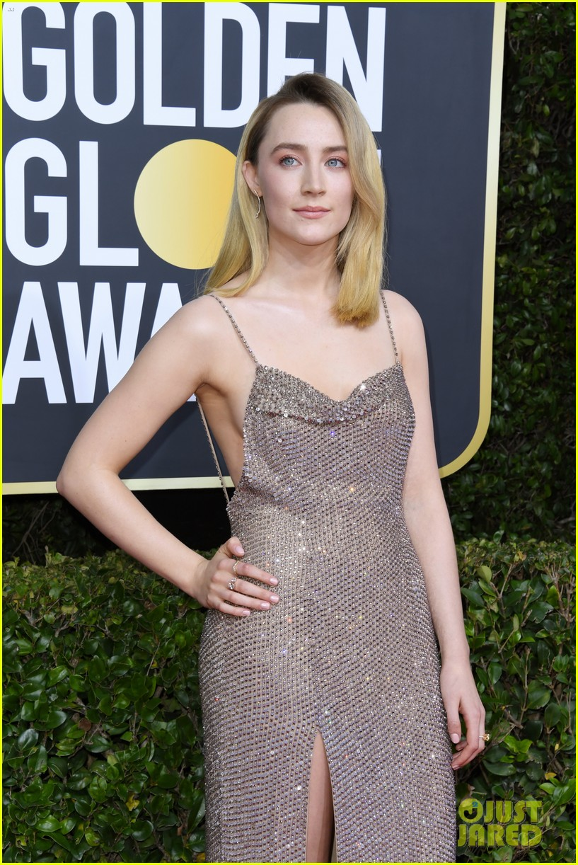 saoirse ronan glittery gown golden globes 04