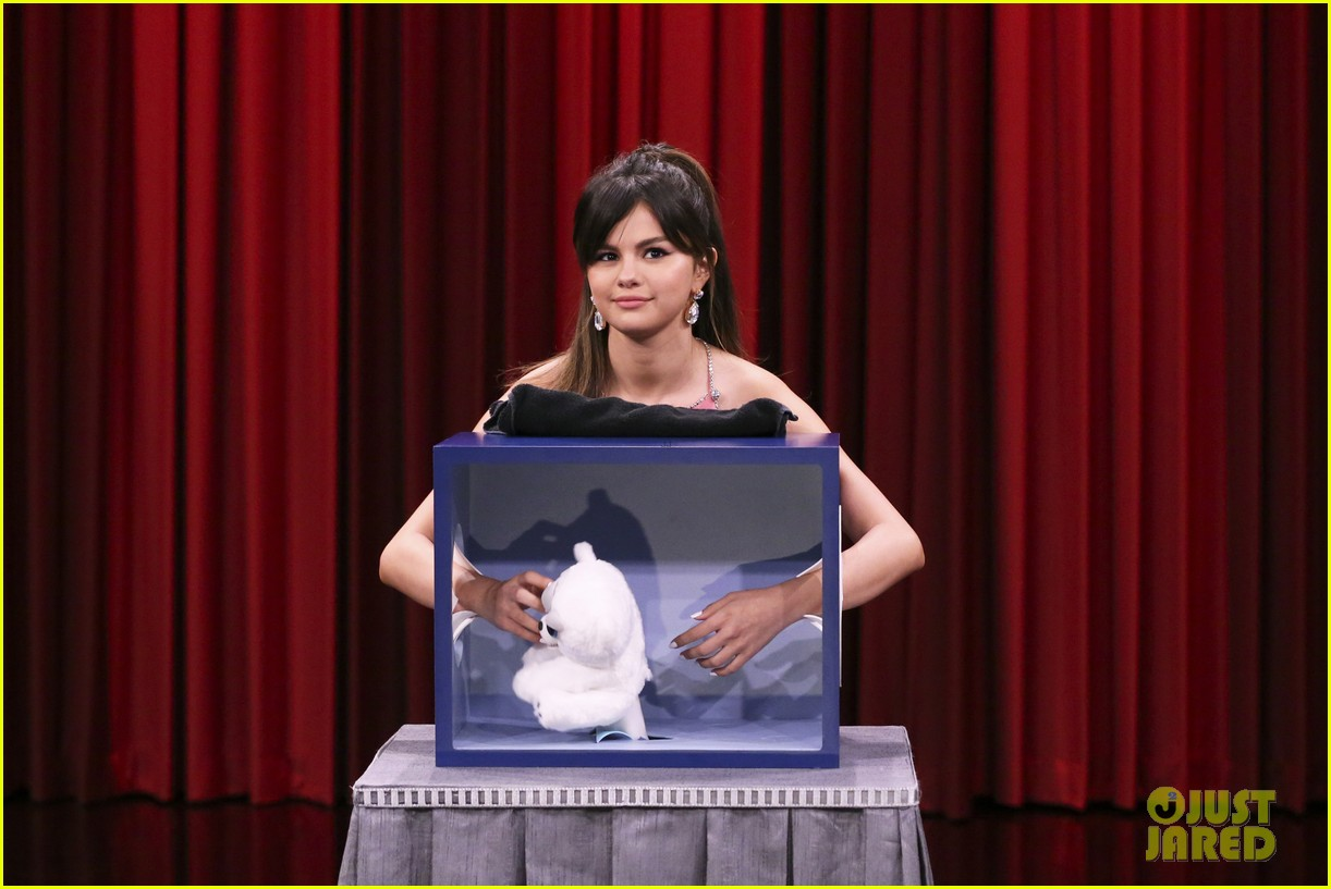 selena gomez feel guess fallon appearance 03