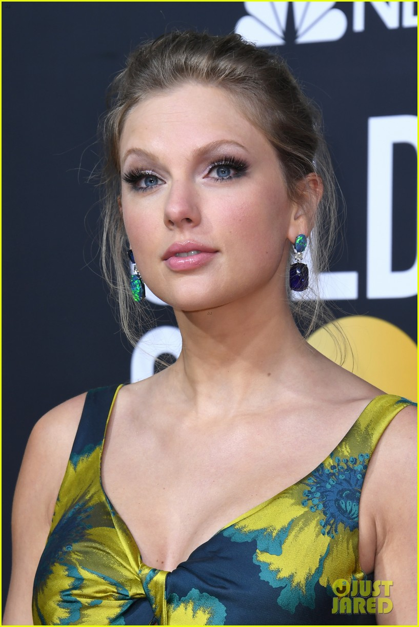 taylor swift golden globes 2020 red carpet 02