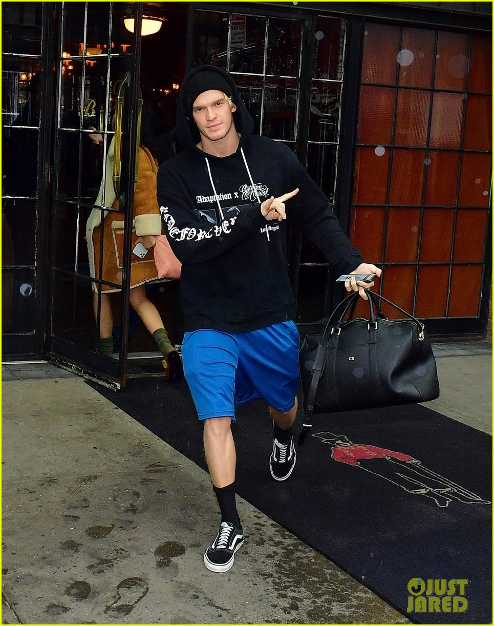 miley cyrus cody simpson leave new york hotel after fashion week 02
