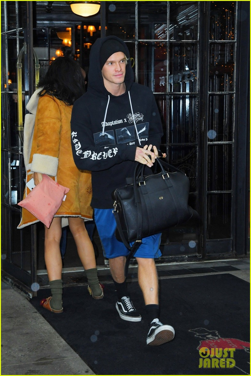 miley cyrus cody simpson leave new york hotel after fashion week 04