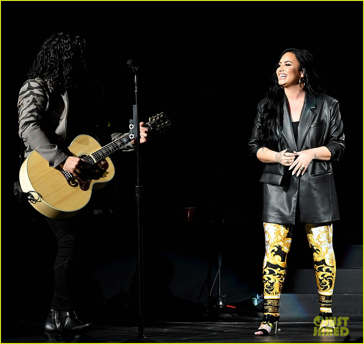 Dan Shay Speechless: Demi Lovato Joins Dan & Shay For Surprise Performance Of