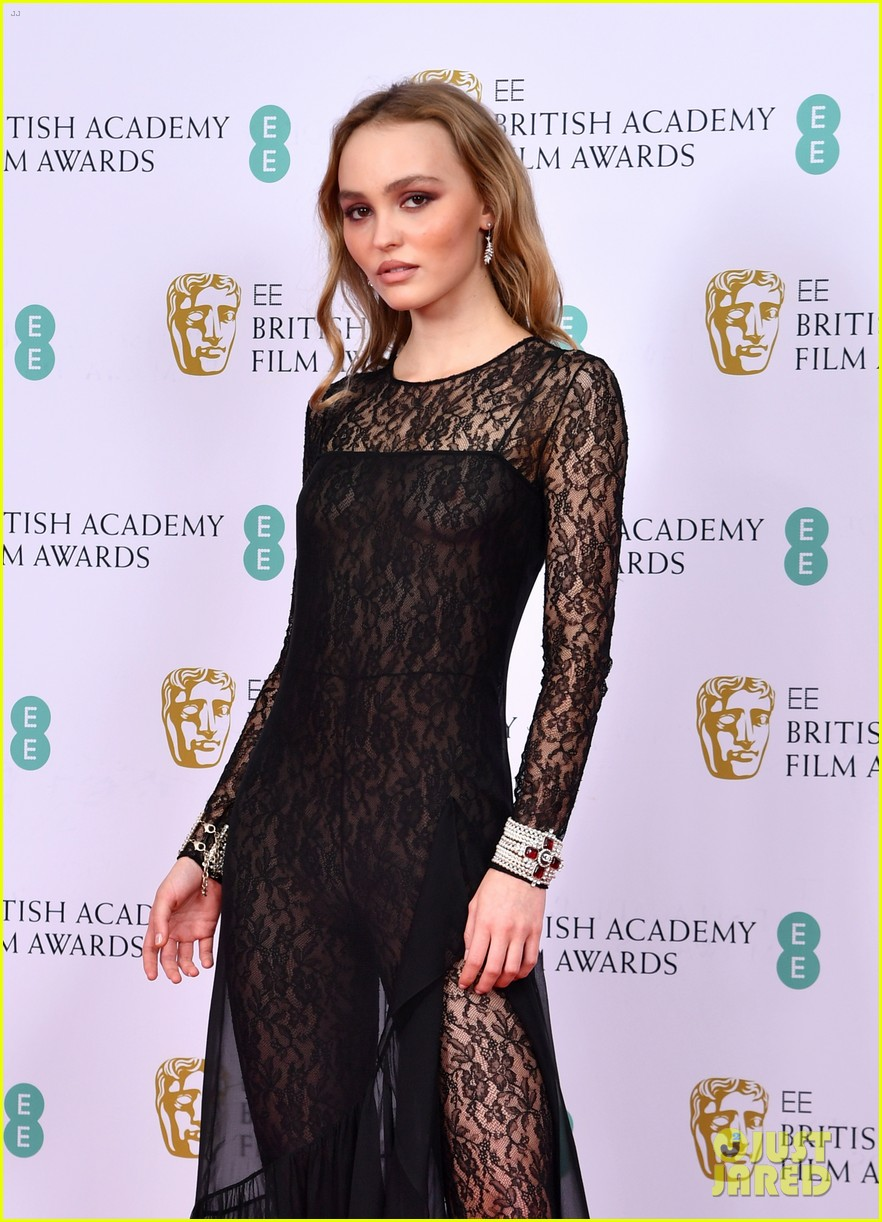 michael ward wins baftas kaitlyn dever jack lowden more 03