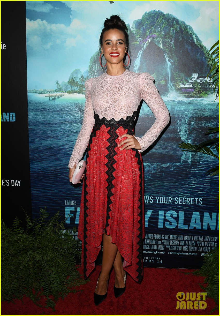 lucy hale fantasy island premiere 20