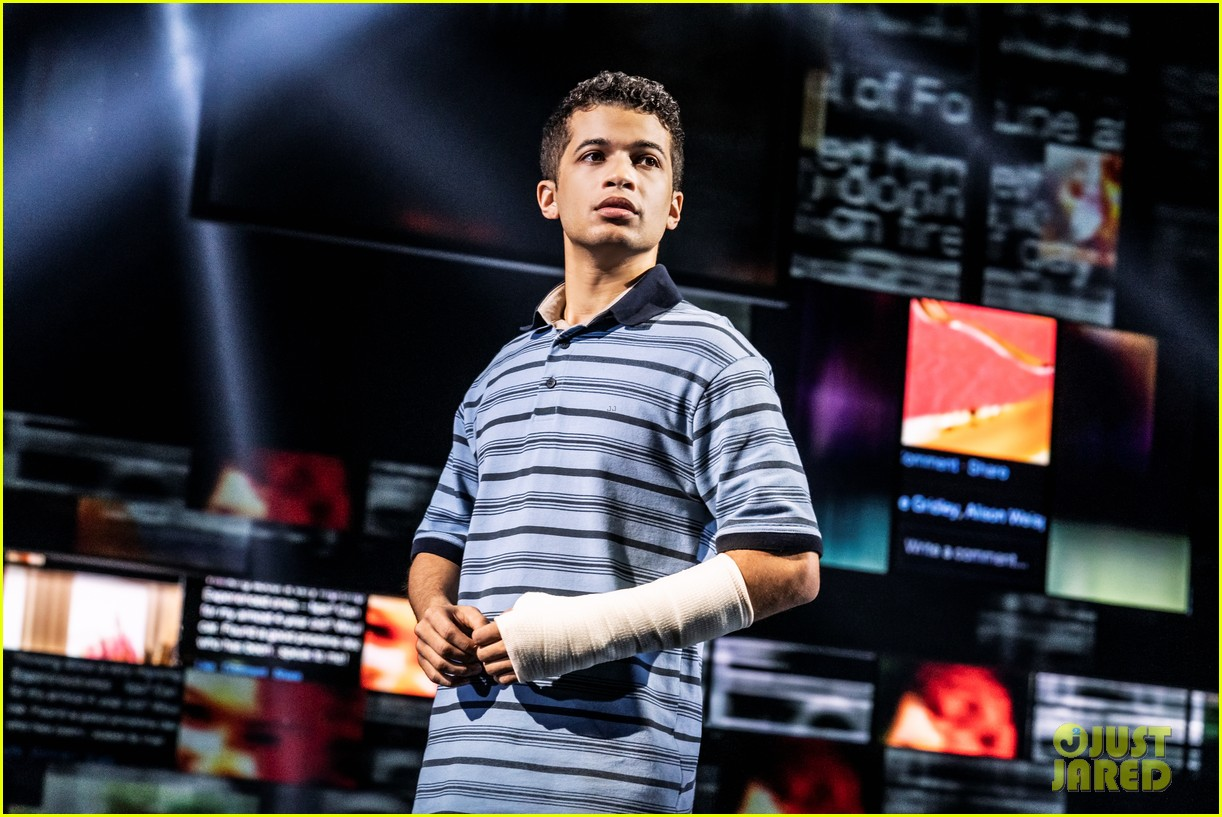 jordan fisher gabriella carrubba sing if i could tell her from dear evan hansen watch now 01