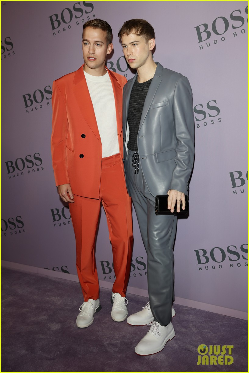 madelaine petsch surrounds herself with friends at boss fashion show in milan 05