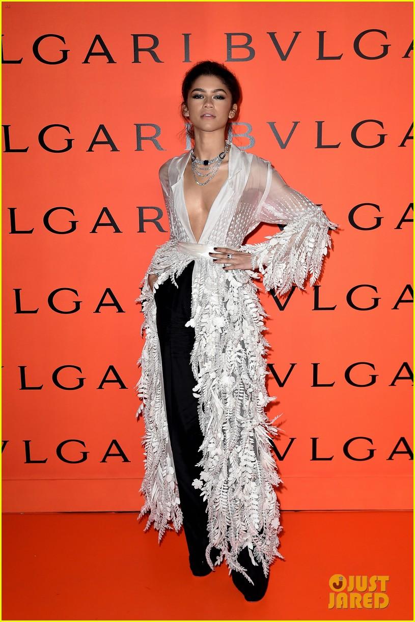 zendaya stuns plunging leaf inspired gown bulgari event 02