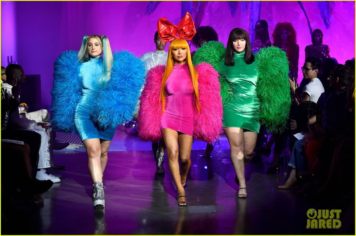 meghan trainor nikita dragun turn into powerpuff girls for christian cowan fashion show 14