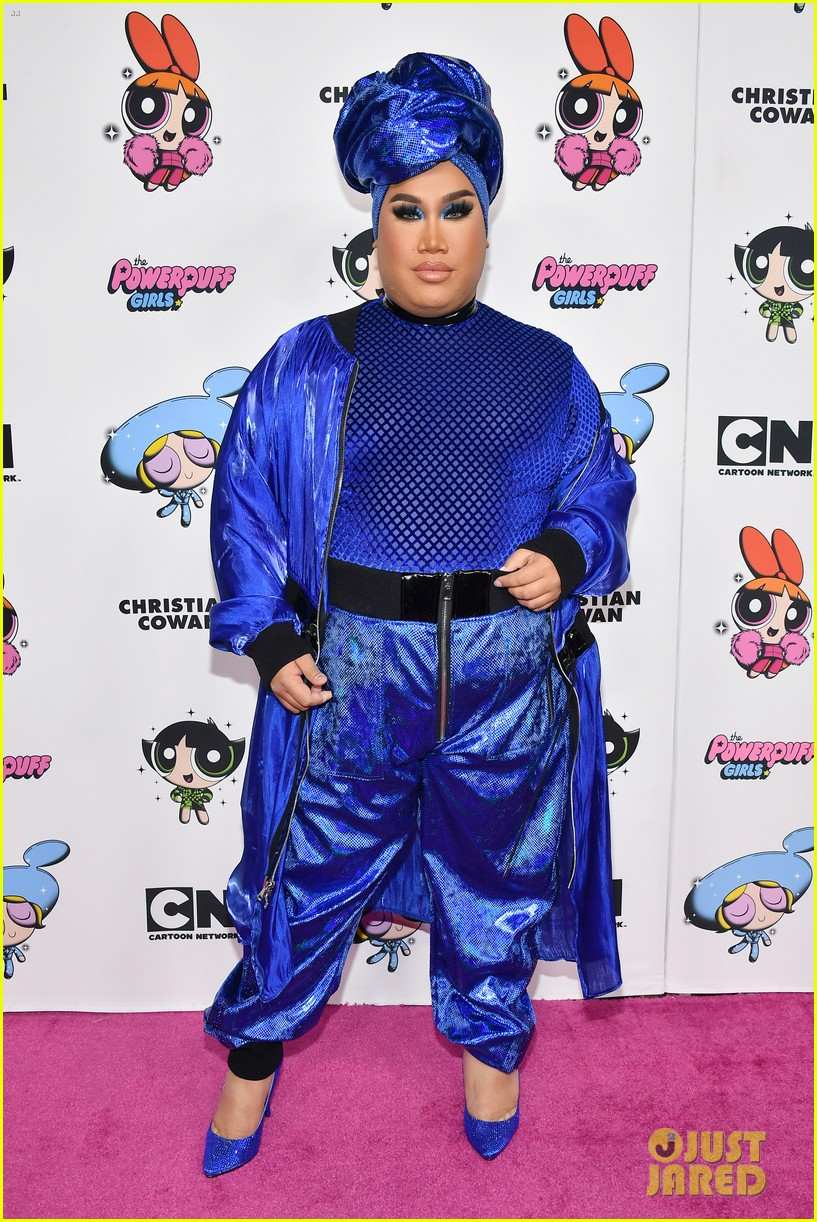 meghan trainor nikita dragun turn into powerpuff girls for christian cowan fashion show 18