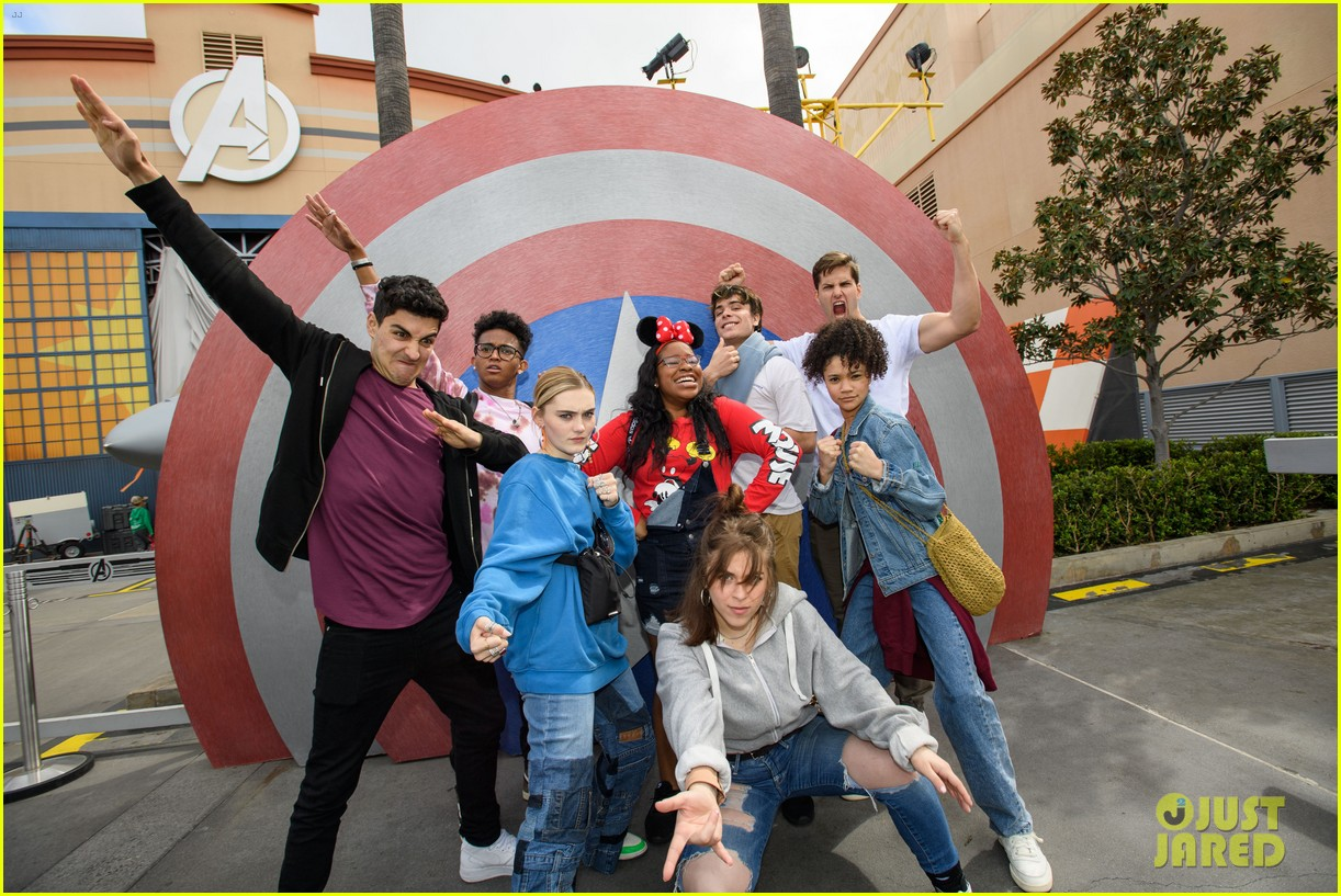 zombies 2 cast have fun filled day at disneyland 04