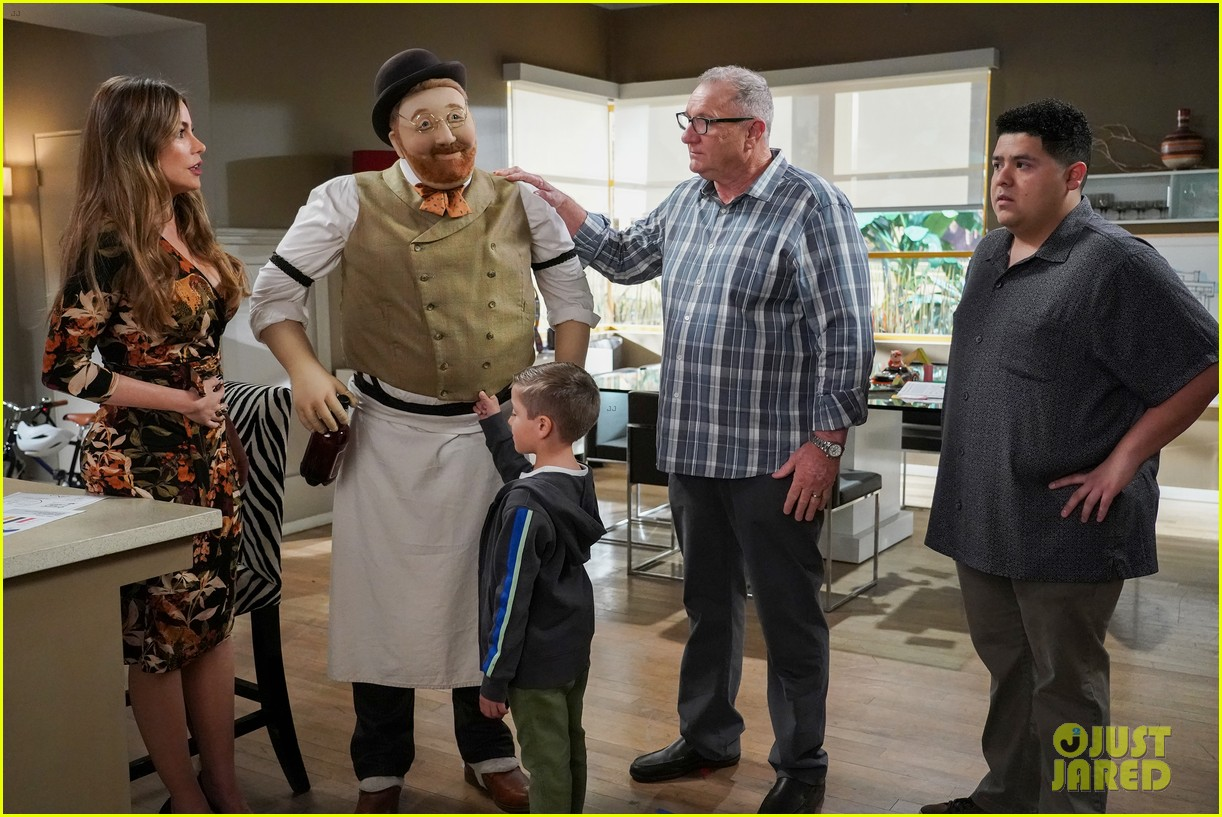 modern family comes to an end tonight after 11 seasons 06