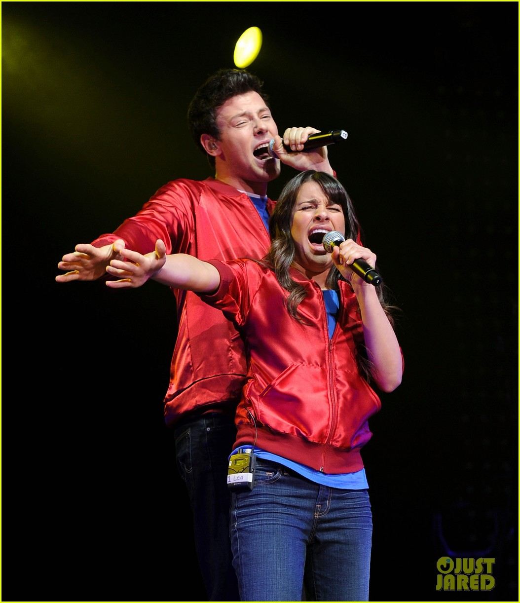 glee cast perform at radio city music hall throwback thursday 01