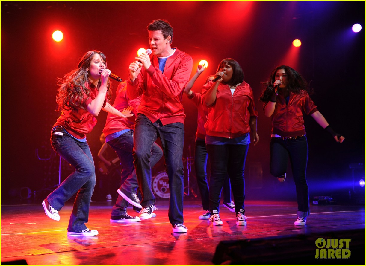 glee cast perform at radio city music hall throwback thursday 04