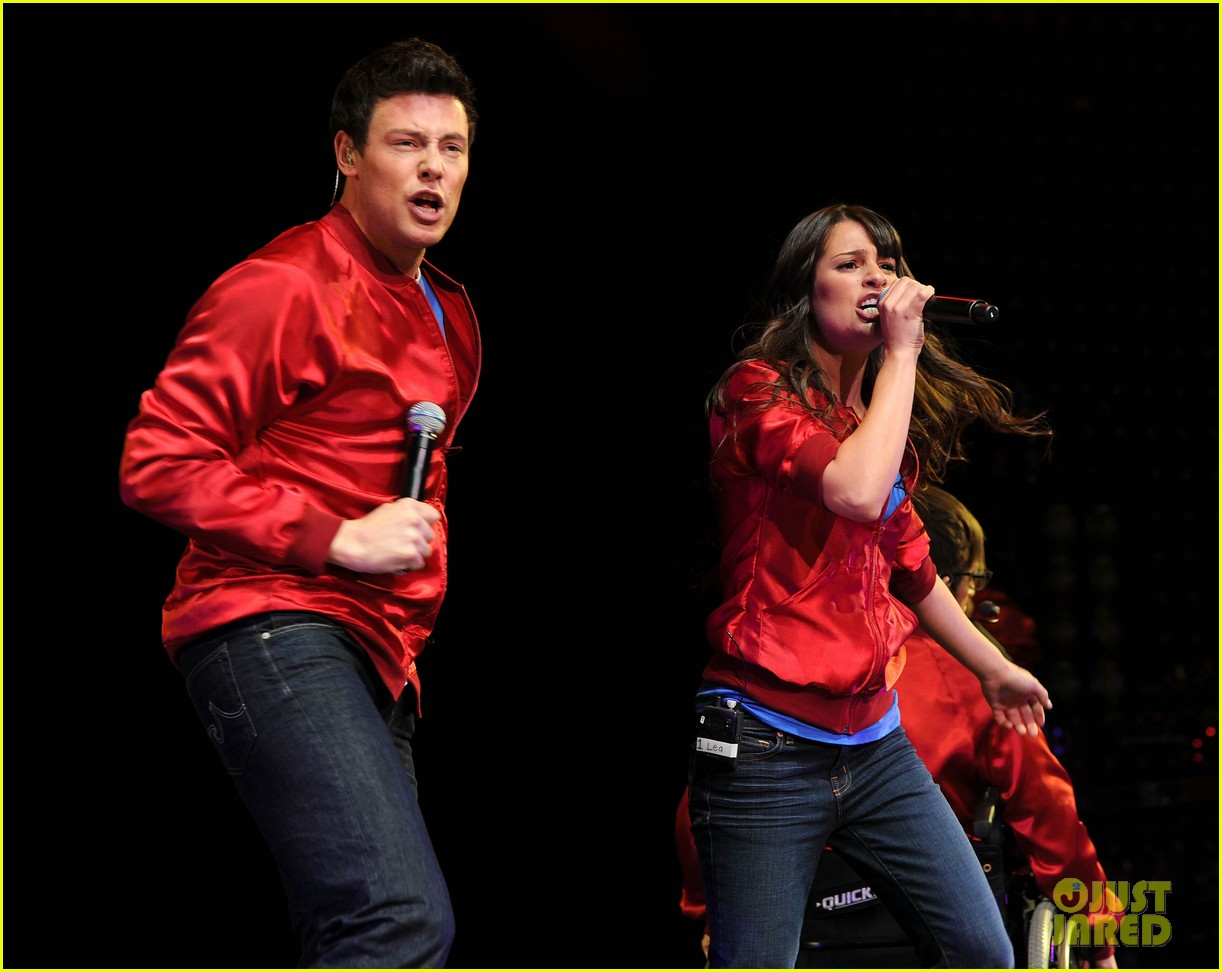 glee cast perform at radio city music hall throwback thursday 07