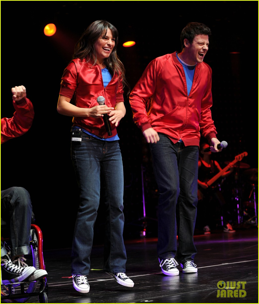 glee cast perform at radio city music hall throwback thursday 08