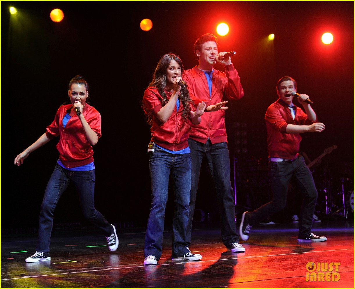 glee cast perform at radio city music hall throwback thursday 12