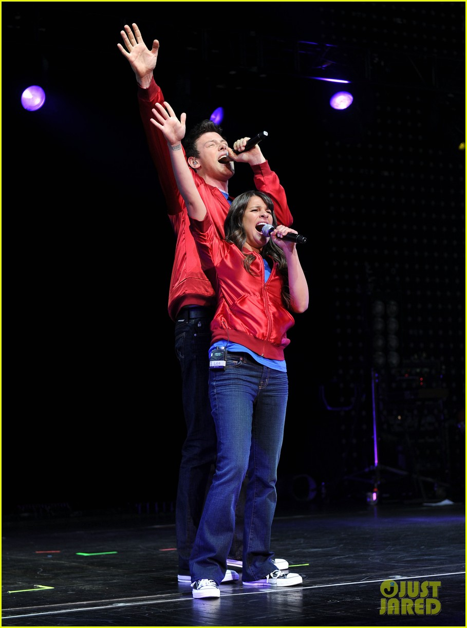 glee cast perform at radio city music hall throwback thursday 15