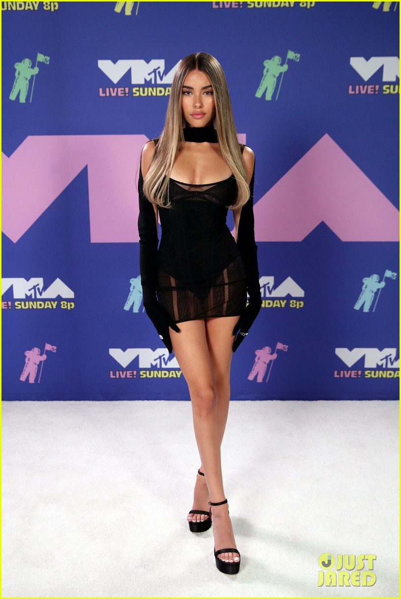 madison beer dons lbd at mtv vmas 2020 04
