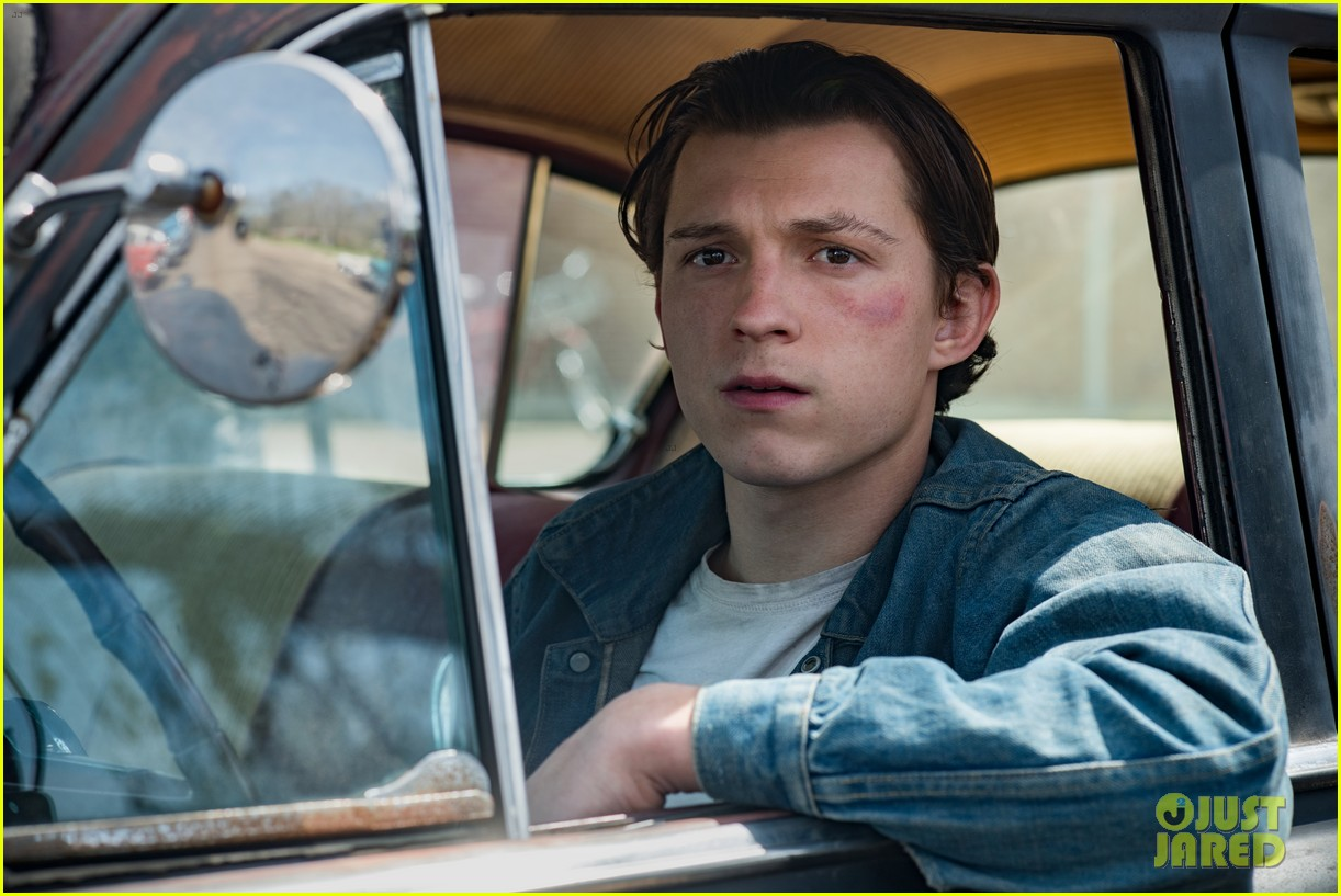 tom holland stars in first look photos for new movie the devil all the time 04