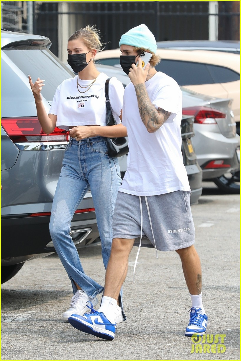 justin hailey bieber step out on second wedding anniversary 02