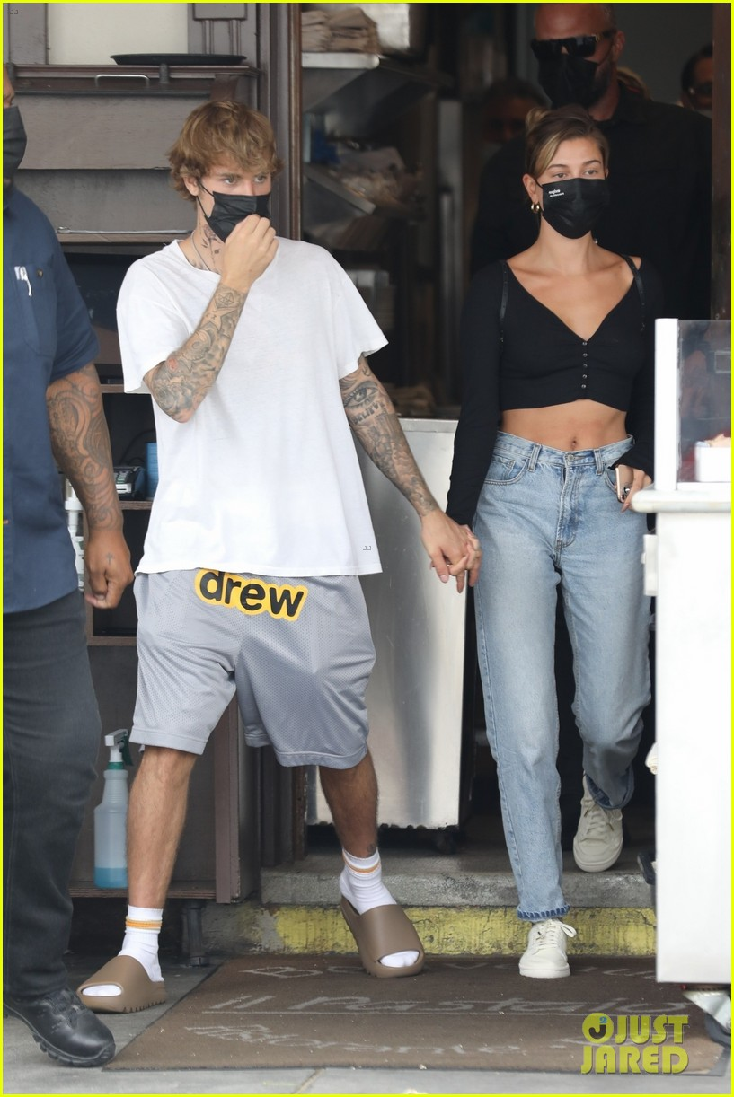 justin bieber new tattoo out for lunch with hailey bieber 04