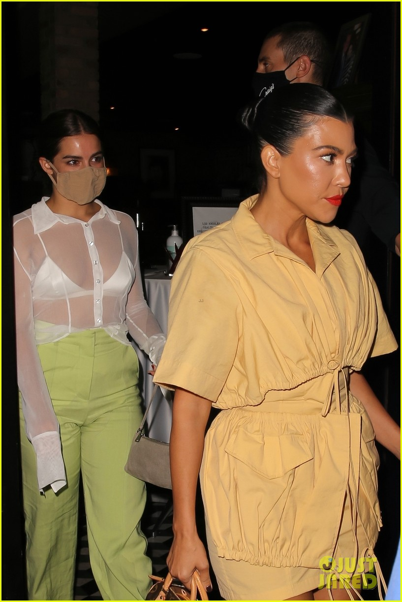 kourtney kardashian addison rae are fashionable friend at craigs dinner 01