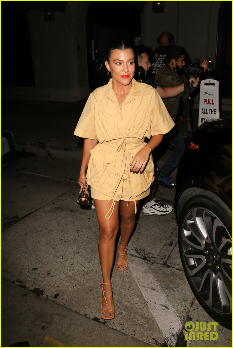 kourtney kardashian addison rae are fashionable friend at craigs dinner 03