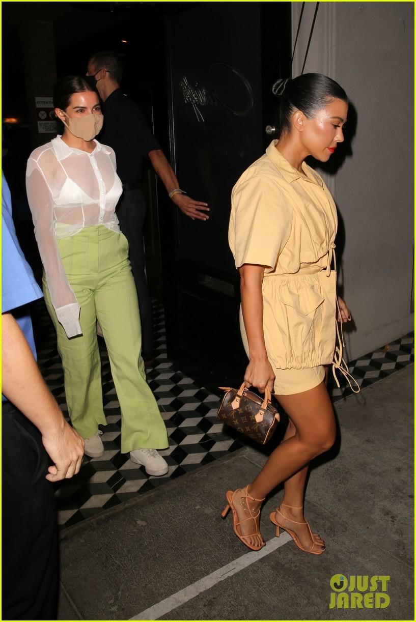 kourtney kardashian addison rae are fashionable friend at craigs dinner 05