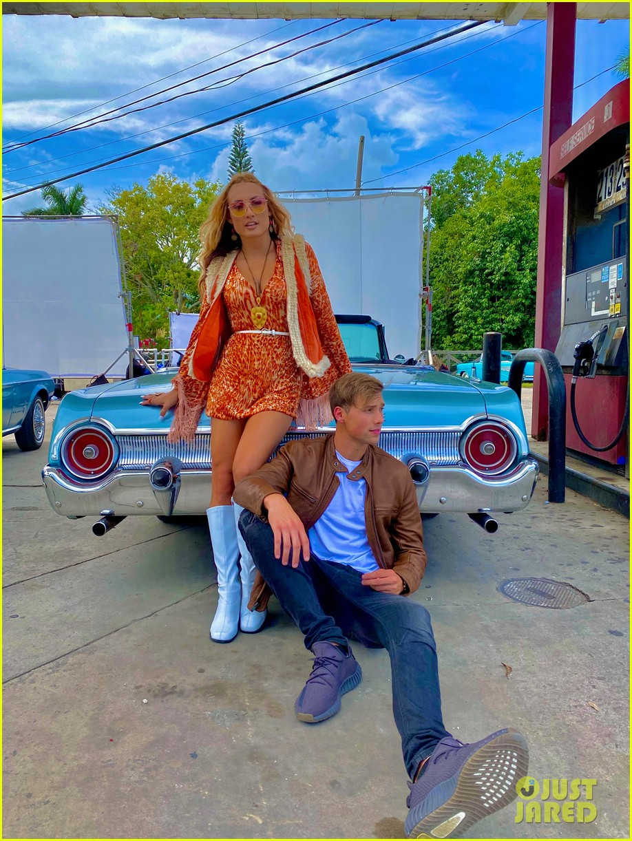 montana tucker premieres new sunday funday music video exclusive bts photos 24.