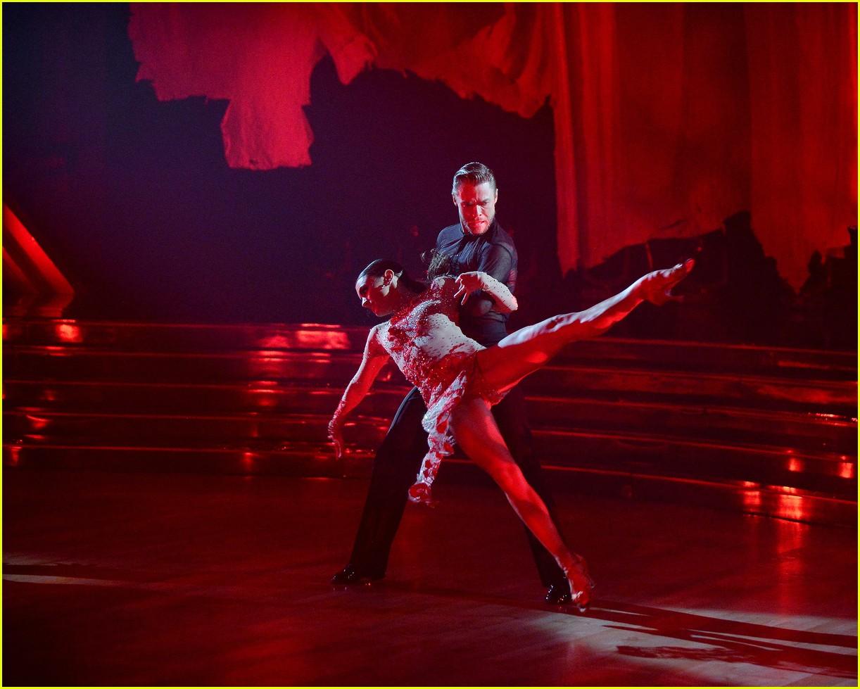 derek hough and hayley erbert return to dancing with the stars dance floor 05