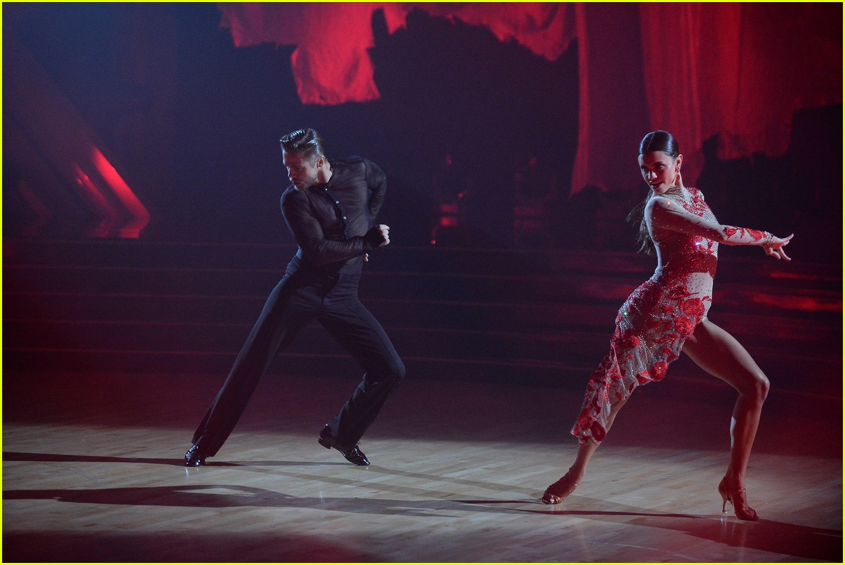 derek hough and hayley erbert return to dancing with the stars dance floor 09