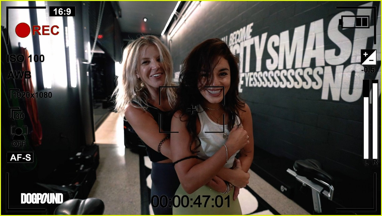 vanessa hudgens gg magree take fans into the dogpound 10