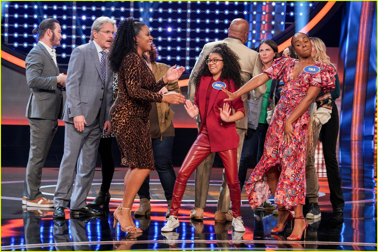 disney channel moms faced off against mixed ish cast on celebrity family feud 25