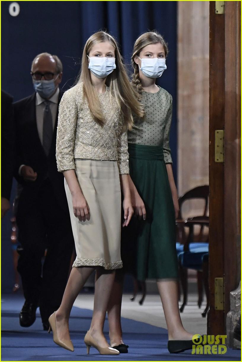 spanish royal family asturias awards appearance pics 01
