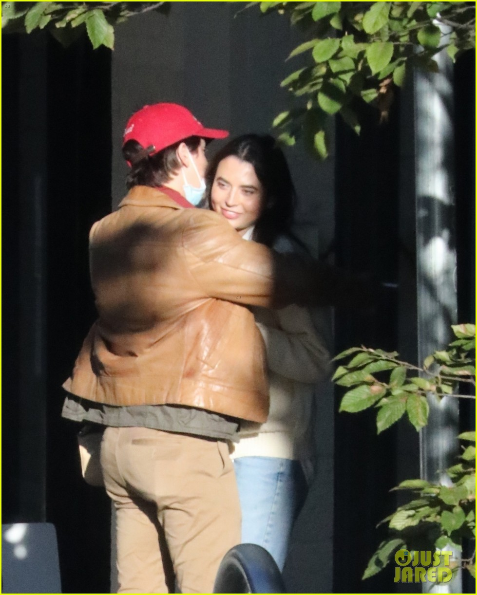 cole sprouse model reina silva get cozy in vancouver 08