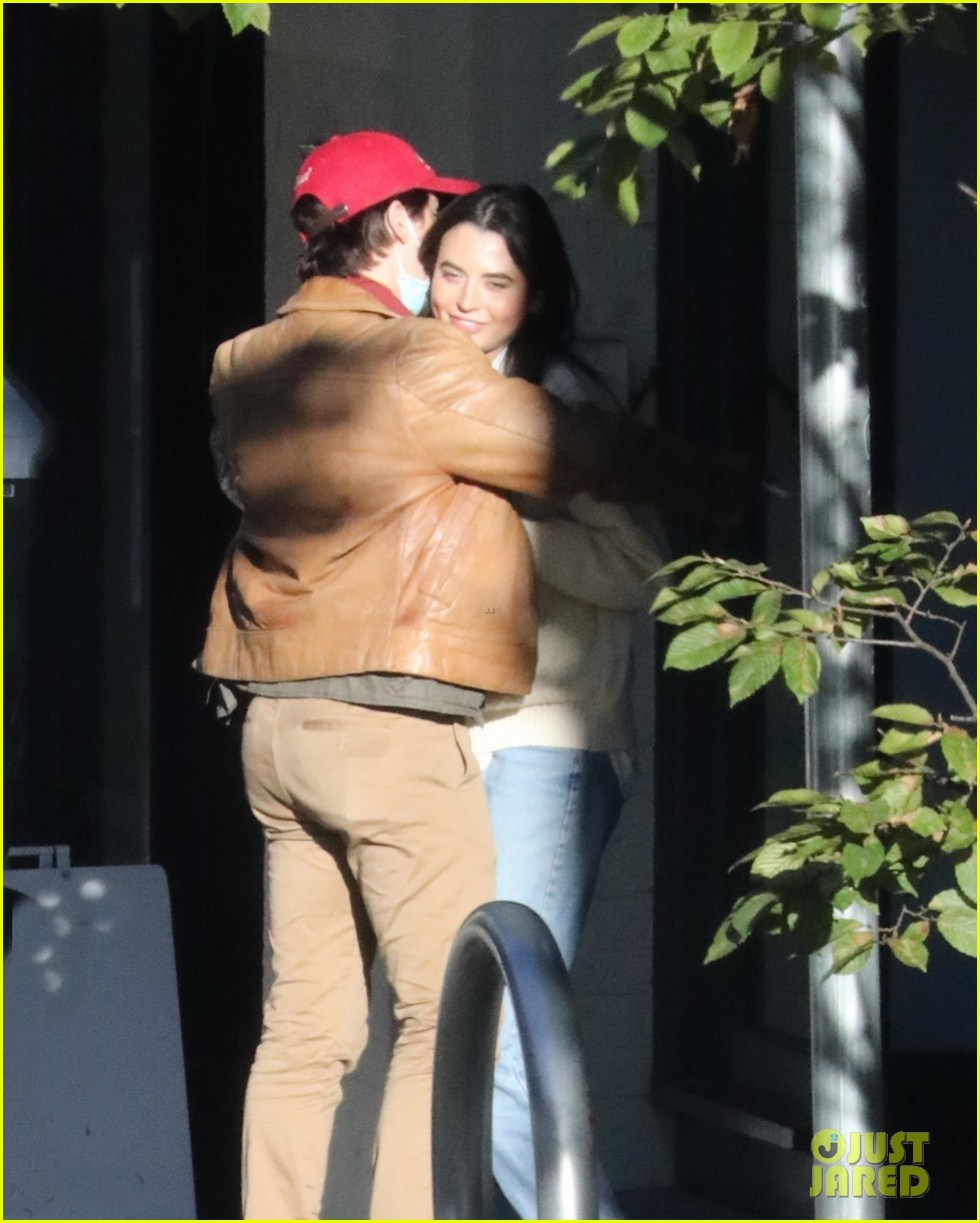 cole sprouse model reina silva get cozy in vancouver 11