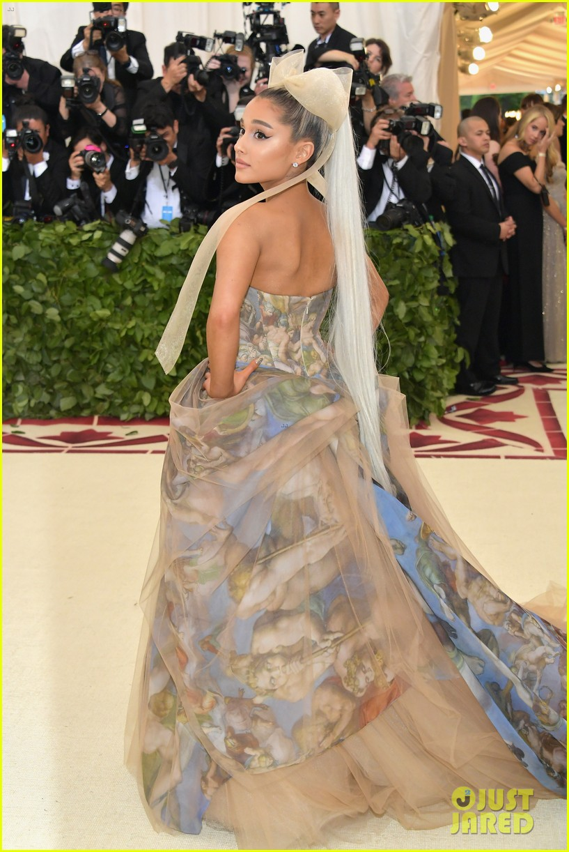 ariana grande talks about her hair and how it inspired new song my hair 02