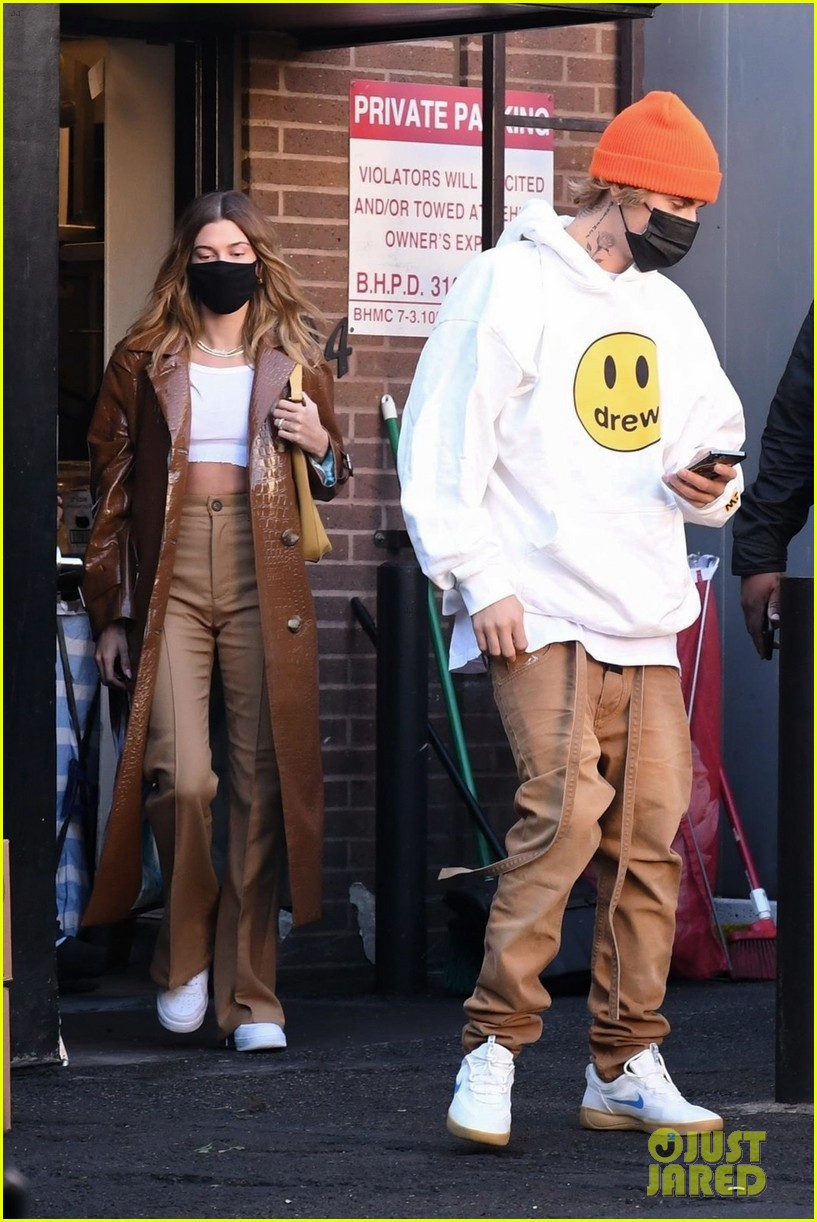 justin bieber lunch with wife hailey bieber 01