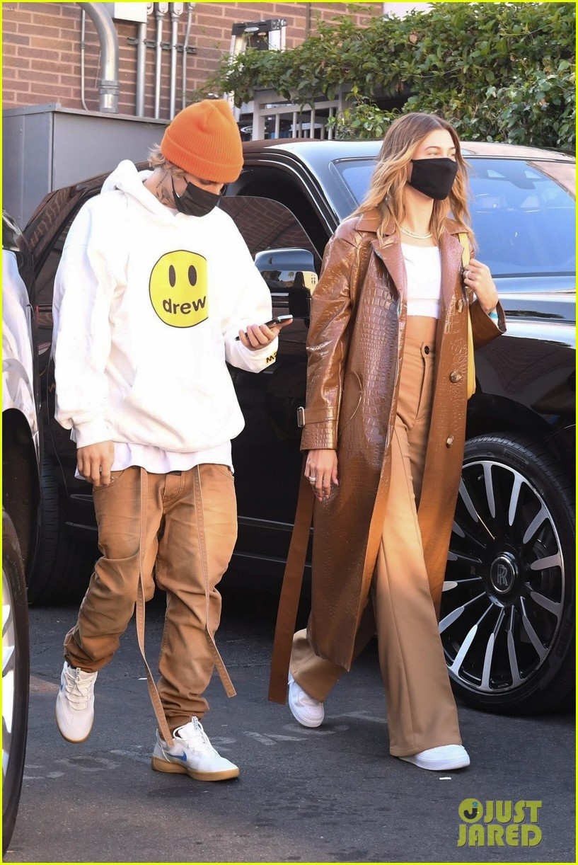 justin bieber lunch with wife hailey bieber 03
