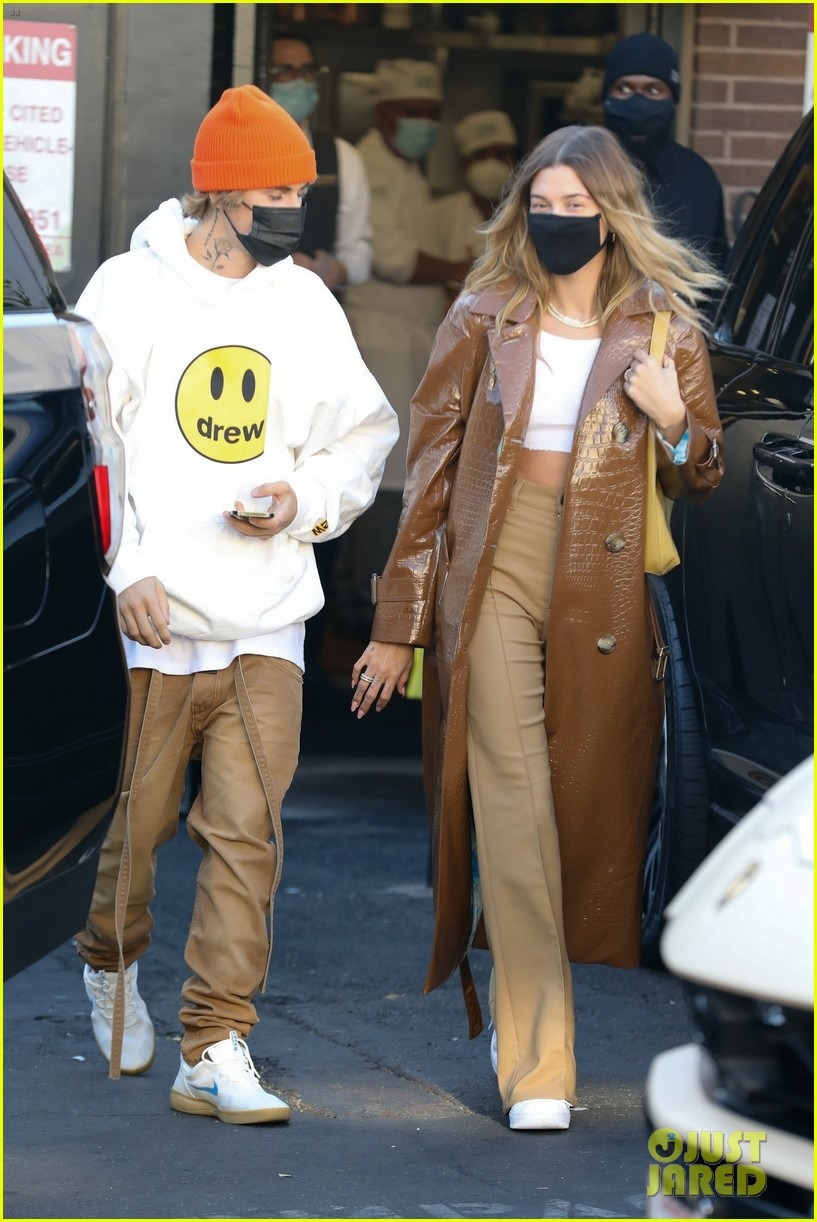 justin bieber lunch with wife hailey bieber 05