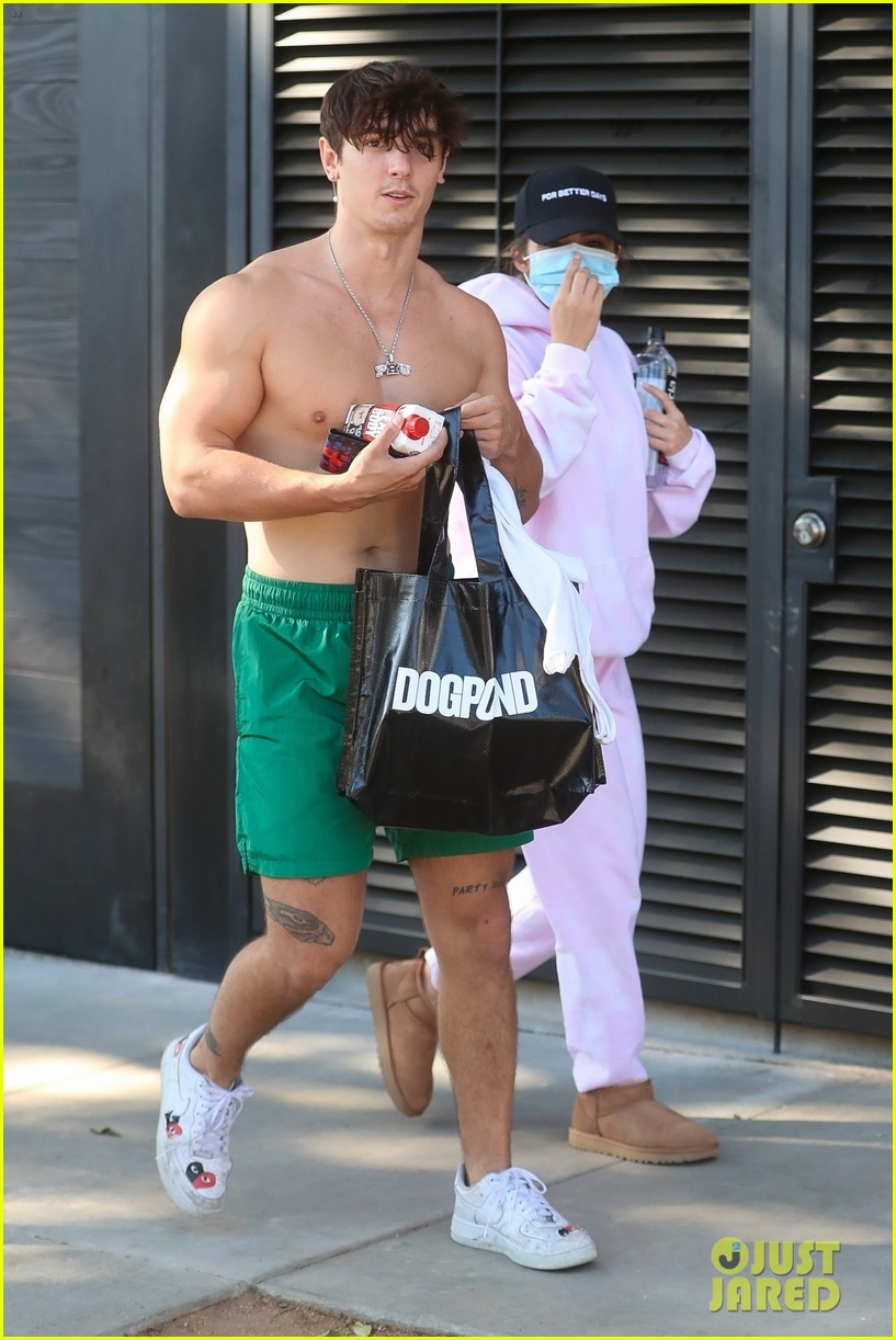 bryce hall leaves the gym shirtless with addison rae 03