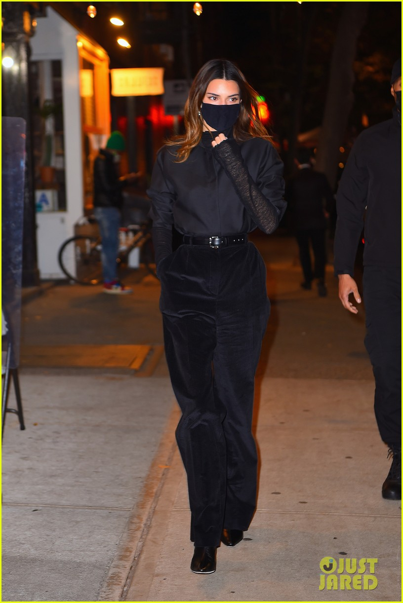 kendall jenner bella hadid out for dinner 06