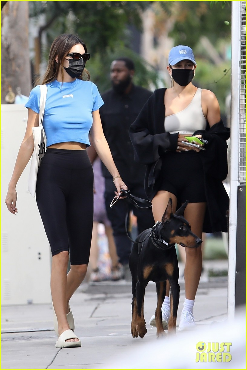 kendall jenner lunch with hailey bieber afterturning 25 01