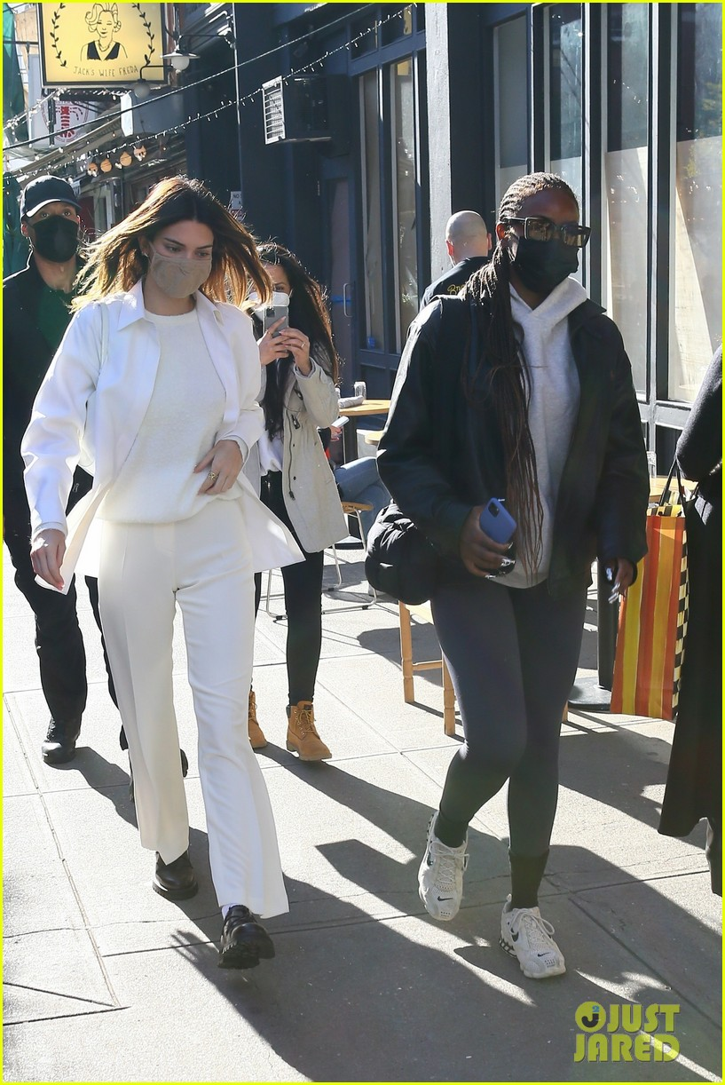 kendall jenner justine skye nyc afternoon lunch 06