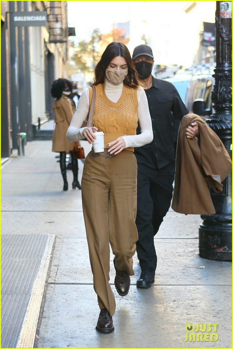kendall jenner justine skye nyc afternoon lunch 10