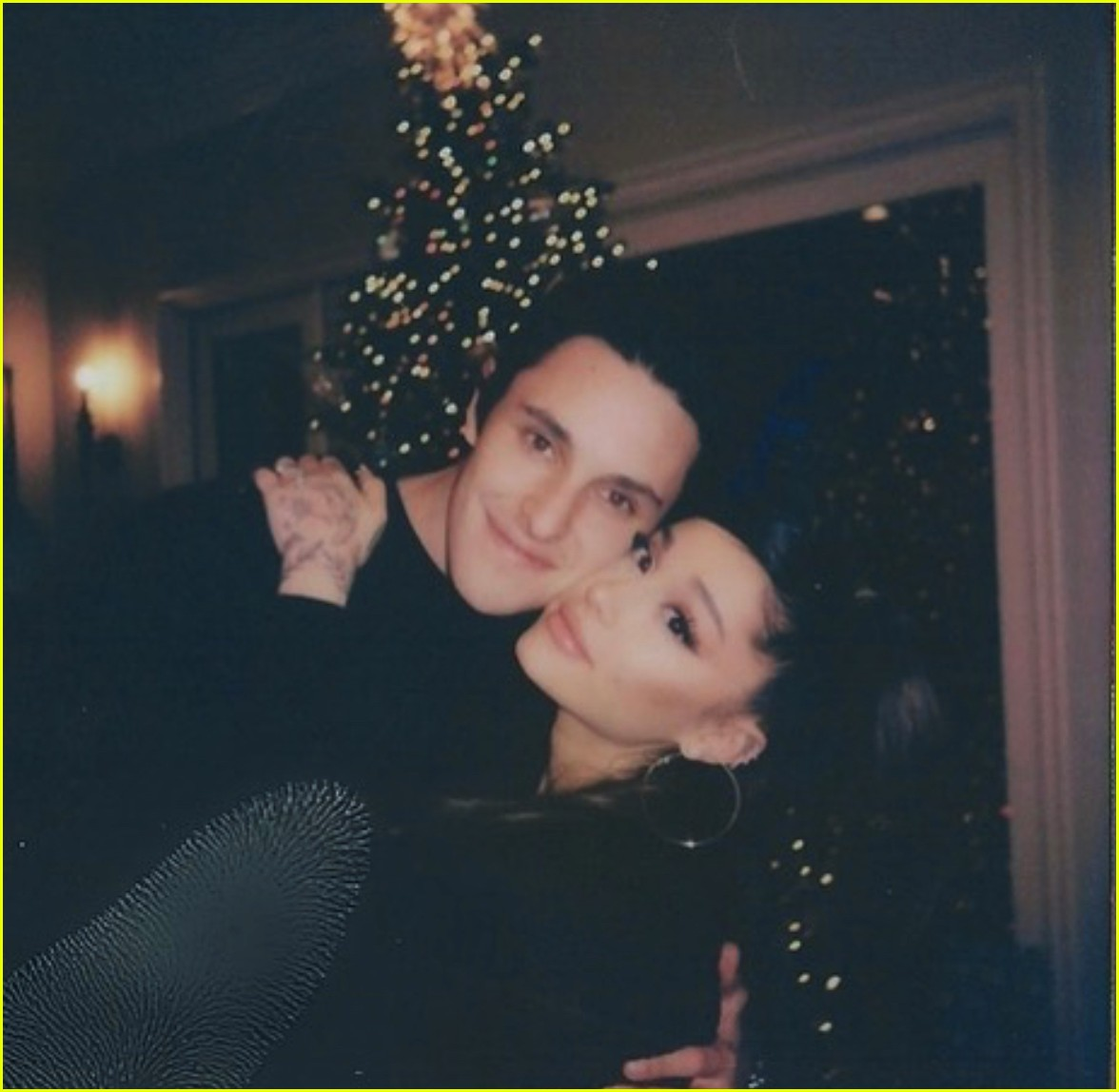 ariana grande christmas with dalton gomez 03