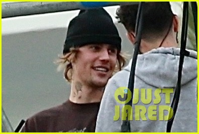 justin bieber rehearses for nye performance 02