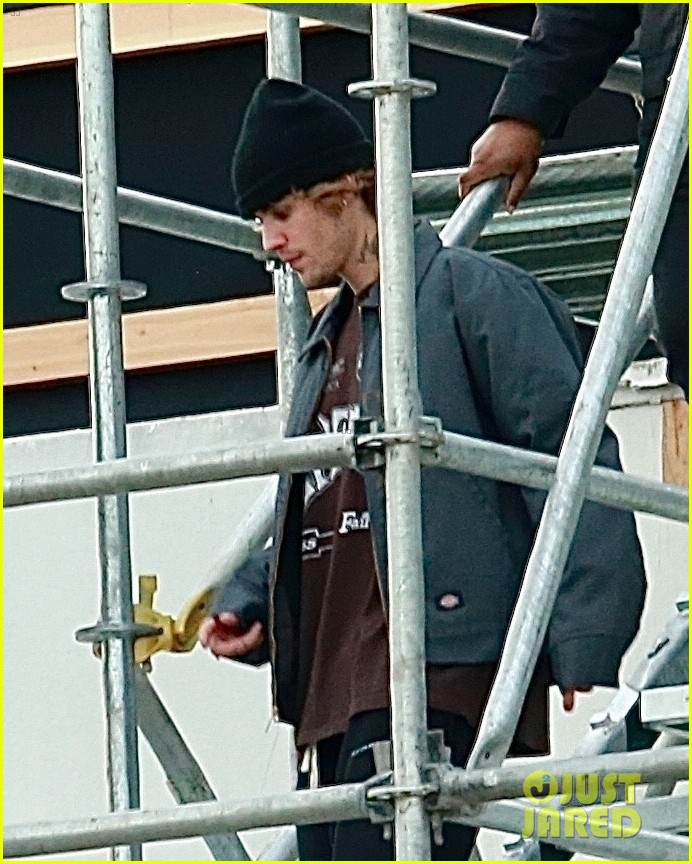 justin bieber rehearses for nye performance 07