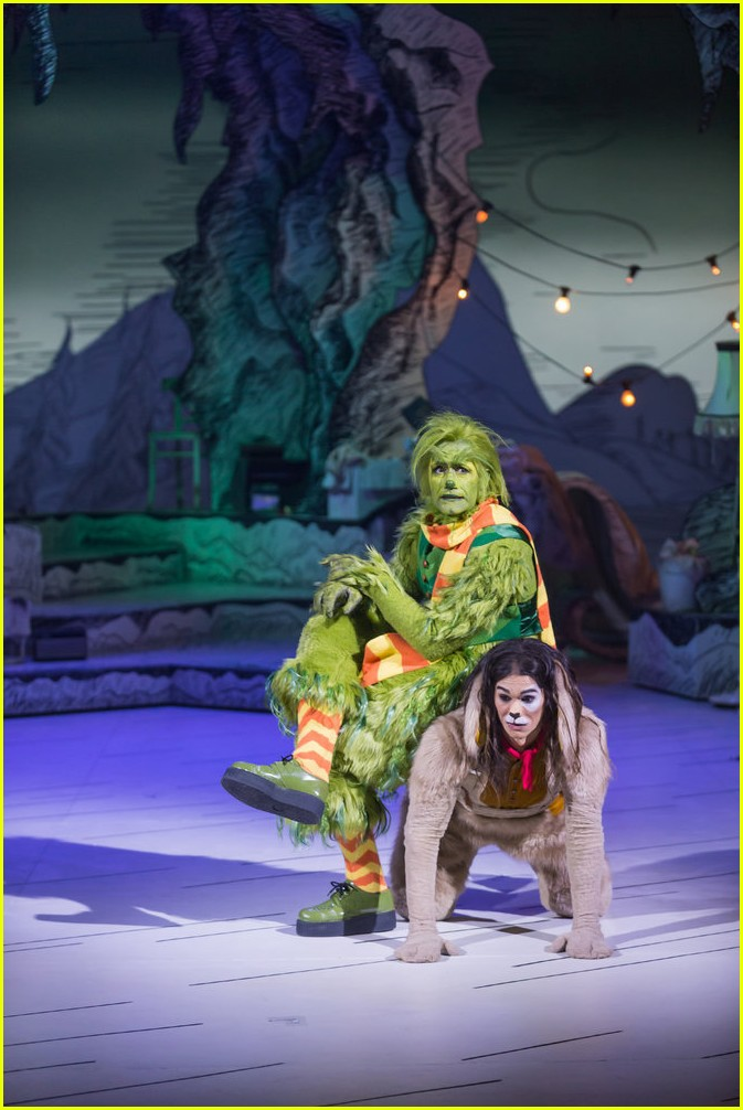 booboo stewart transforms into young max the dog from dr seuss the grinch 04